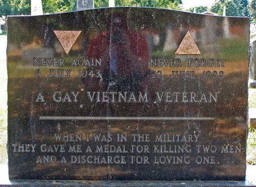 Gay_vietnam_veteran_tomb